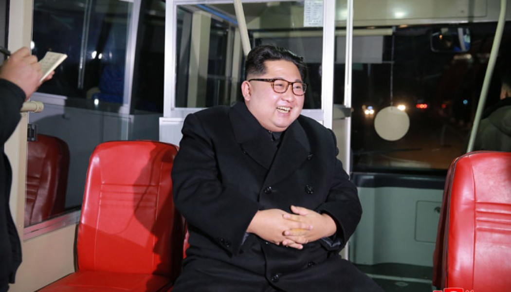 Trial Run of New-type Trolley Bus Made in Presence of Kim Jong Un
