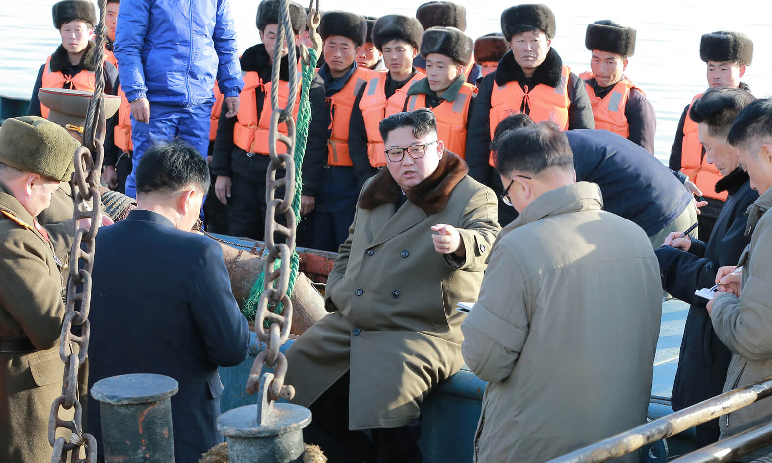 Kim Jong Un giving on-site guidance at a fishing station in November 2018