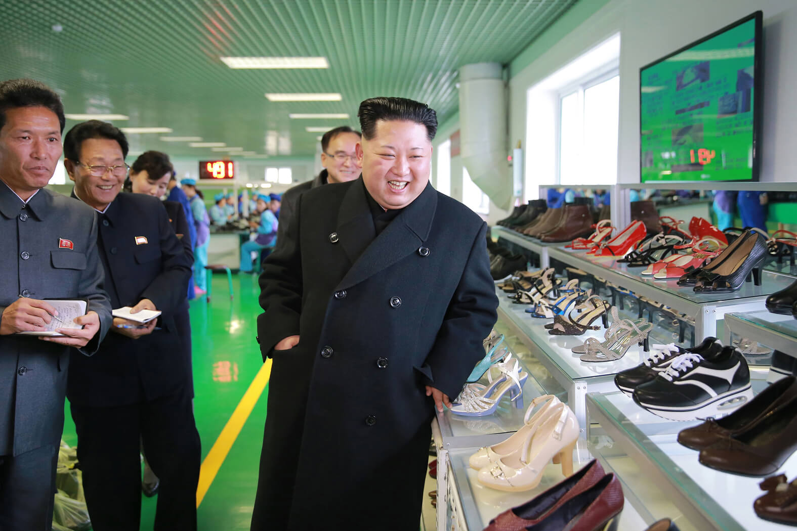 Kim Jong Un giving field guidance at the Wonsan Leather Shoes Factory in December 2016