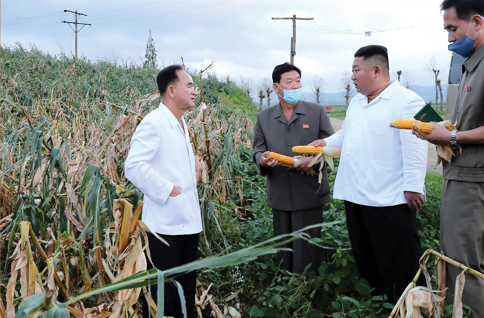 Kim Jong Un grasping the typhoon-damaged situation in August 2020